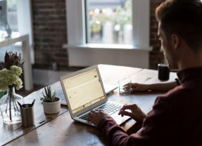 4 Ways to Encourage Online Calendar Courtesy
